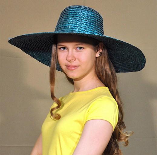 Московская школьница Лена Евсеева - для модниц