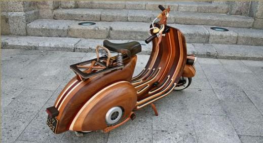 Деревянный мотороллер