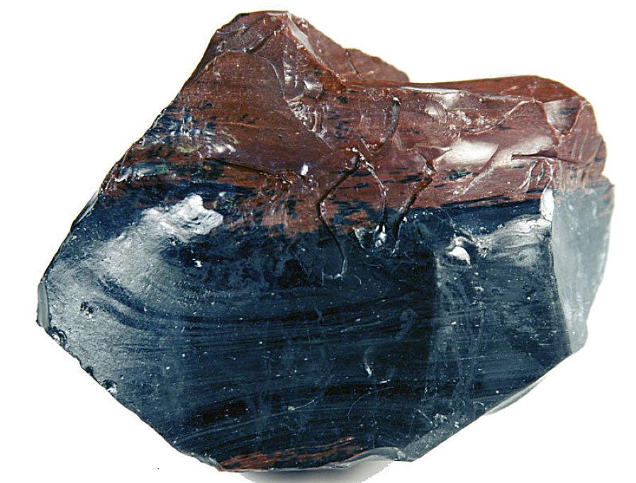 Это природное стекло называется сейчас обсидианом
